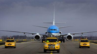 SCHIPHOL-AANKOMST 737-800 PH-BXV