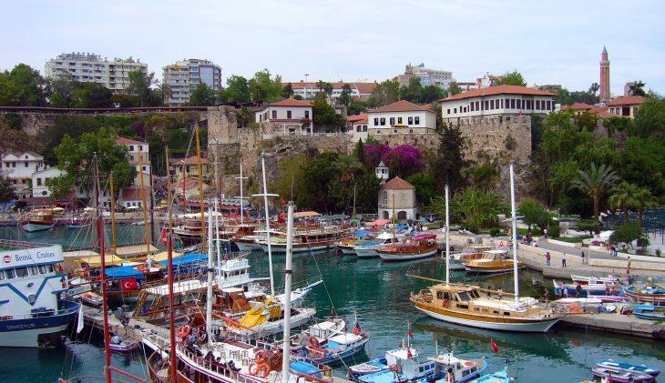 Corendon naar Antalya