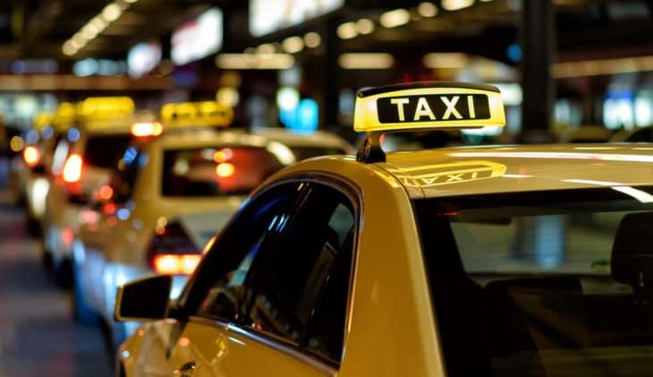 Er bestaan grote verschillen tussen de prijzen van luchthaventaxi's