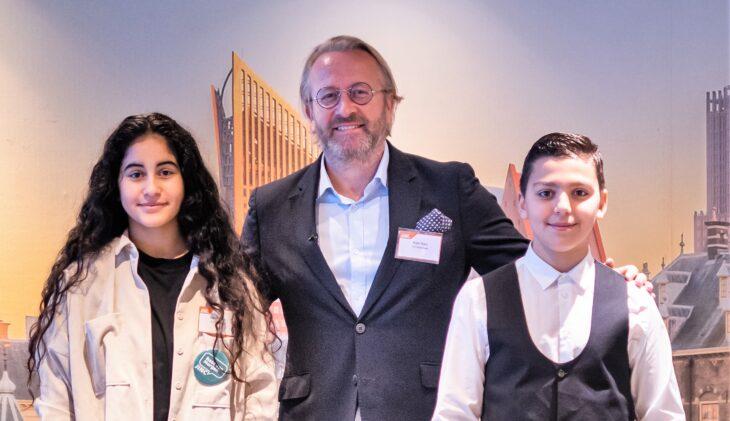Arjan Kers (TUI) laat kinderen één dag de baas zijn (video)