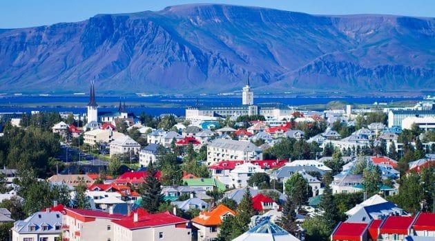 IJsland verscherpt inreismaatregelen en draait versoepelingen deels terug